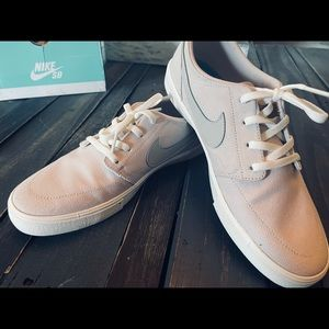 NIB Women's Nike Shoes